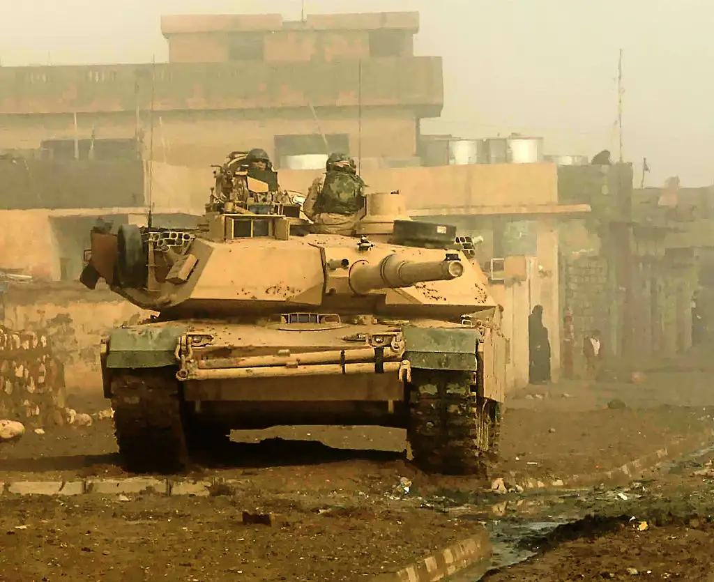M1 Abrams in Iraq Battlefield